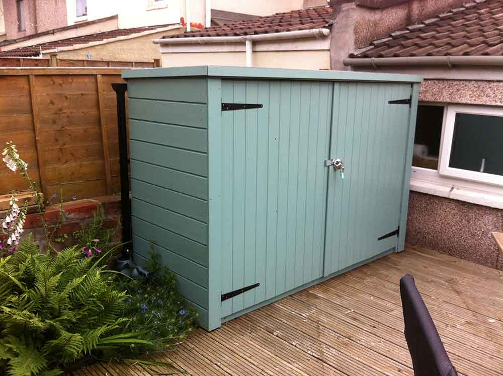 Finished shed, painted