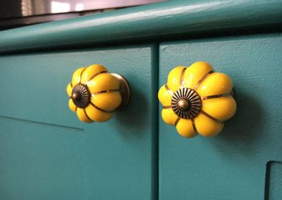 Decorative Contrasting Handles